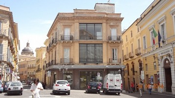 Negozio o Locale in affitto Piazza Valignani Chieti (CH)