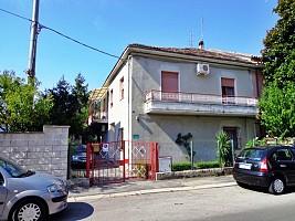 Porzione di casa in vendita via luca da penne Chieti (CH)