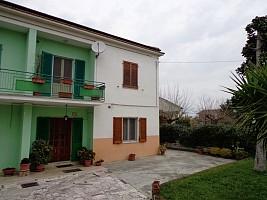 Porzione di casa in vendita via aterno Chieti (CH)