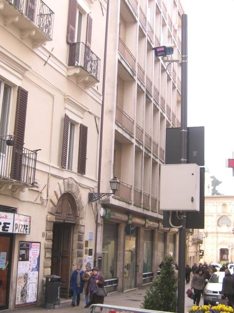 Appartamento in vendita a chieti ch corso marrucino for Doppi infissi esterni