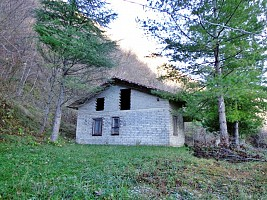 Casa indipendente in vendita contrada versante al bosco Carpineto della Nora (PE)