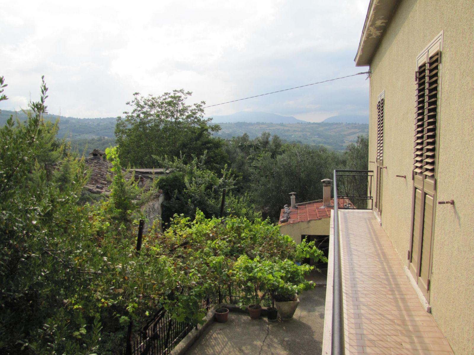 Casa indipendente in vendita via lavino Lettomanoppello (PE)