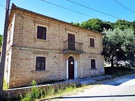 Casa indipendente in vendita strada delle cave Chieti (CH)