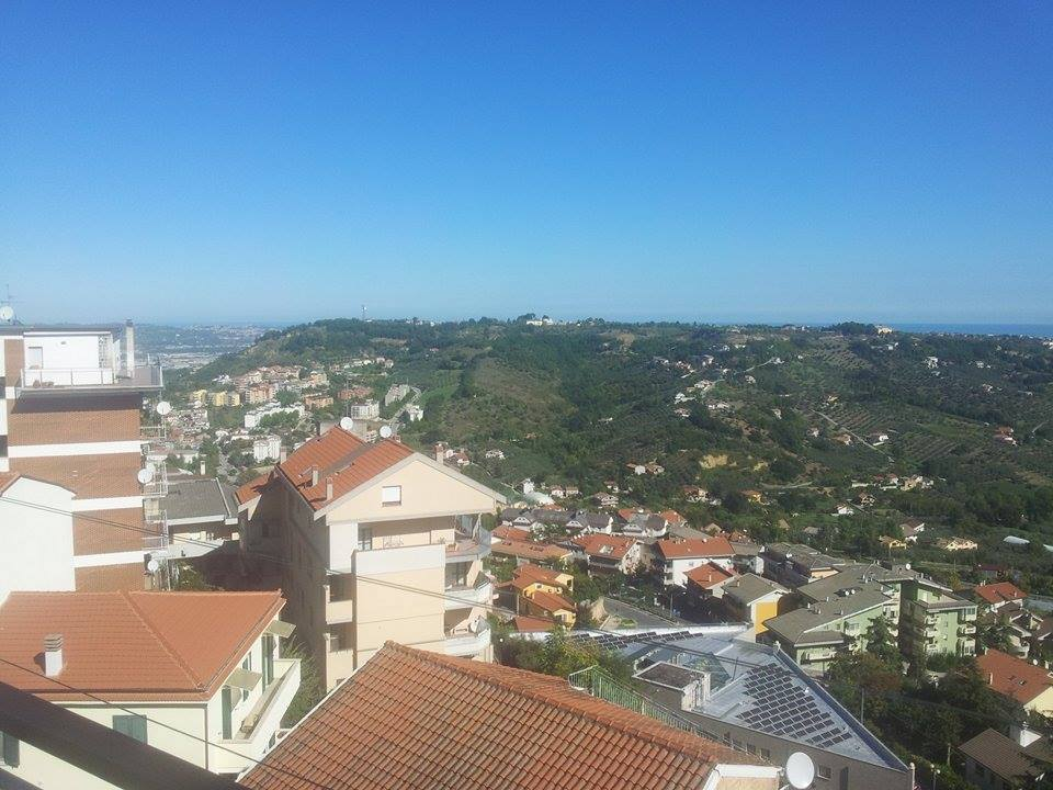 Appartamento in vendita in via silvino olivieri zona porta for Doppi infissi esterni