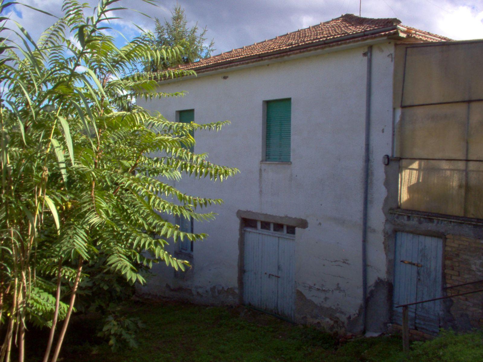 Casa indipendente in vendita a ari ch contrada santa maria annunci immobiliari - Case in vendita ...