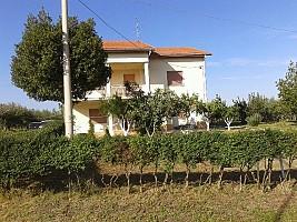 Casa indipendente in vendita zona piano croce pollutri (CH)