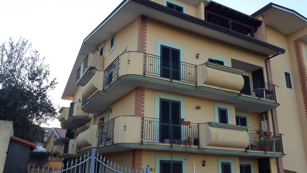 Appartamento in vendita a ortona ch lazzaretto for Doppi infissi esterni