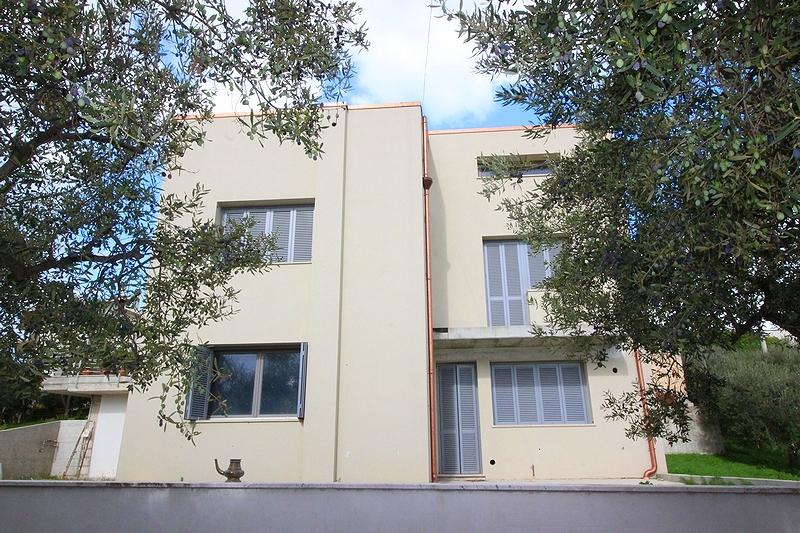 Villa bifamiliare in vendita in a ortona 92165 for Doppi infissi esterni