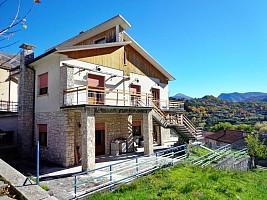 Casa indipendente in vendita via roma Villalago (AQ)