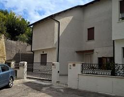 Casa indipendente in vendita Via Santa Caterina 19 Roseto degli Abruzzi (TE)
