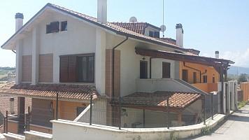 Villa bifamiliare in vendita C.da Colle Sant.Antonio 4 Bucchianico (CH)