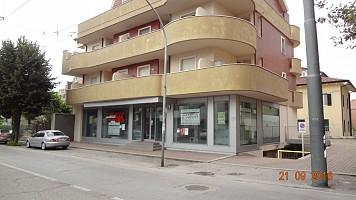 Negozio o Locale in affitto VIALE B.CROCE Chieti (CH)