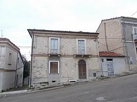 Casa indipendente in vendita Piazza Della Libertà Pietranico (PE)