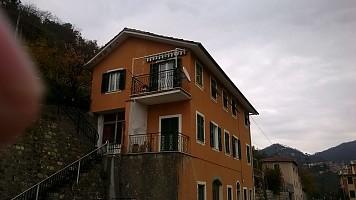 Porzione di casa in vendita Via Podesta 49 Castiglione Chiavarese (GE)