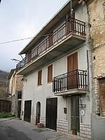 Casa indipendente in vendita frazione Fonterossi Lama dei Peligni (CH)