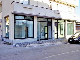 Negozio o Locale in vendita strada provinciale 76 Torre de' Passeri (PE)