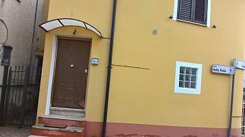 Porzione di casa in vendita piazza della posta Rosciano (PE)