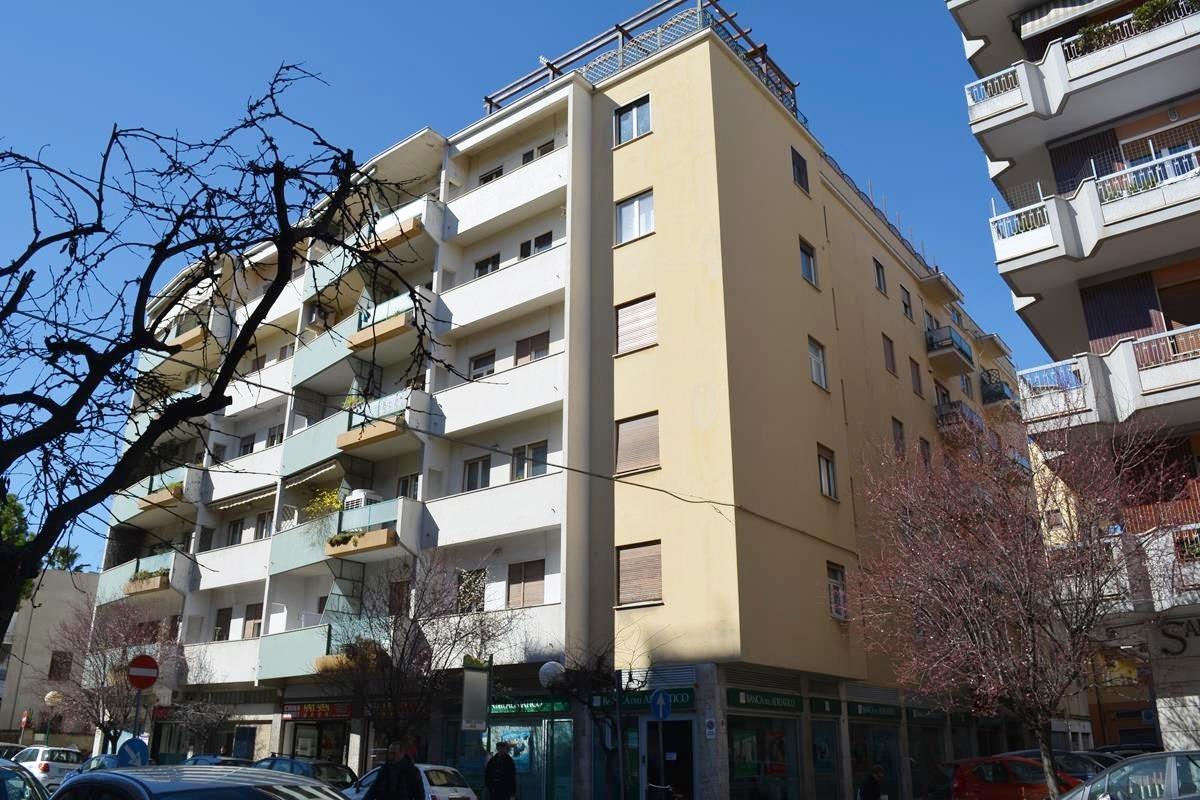 Appartamento in vendita in viale muzii zona centro a for Case in vendita pescara centro