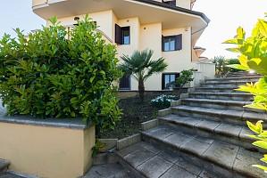 Villa bifamiliare in vendita  Monteodorisio (CH)