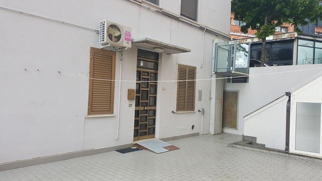 Appartamento in vendita a chieti ch via maiella for Doppi infissi esterni
