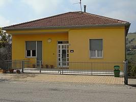 Casa indipendente in vendita Montone Mosciano Sant'Angelo (TE)