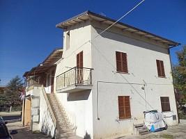 Casa indipendente in vendita via aldo moro 90 Alanno (PE)