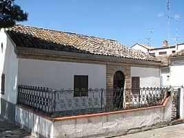 Casa indipendente in vendita via circonvallazione Morro d'Oro (TE)