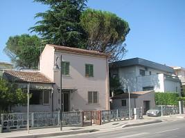 Casa indipendente in vendita via Moretti 60 Roseto degli Abruzzi (TE)