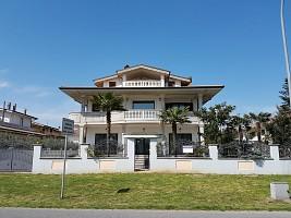 Negozio o Locale in vendita via torino 1 Cepagatti (PE)