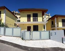 Villa bifamiliare in vendita Via di Sotto Pescara (PE)