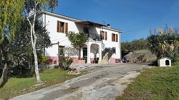 Casa indipendente in vendita c/da S. Marco Ortona (CH)