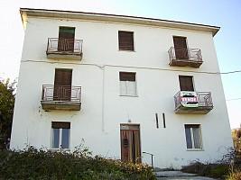 Casa indipendente in vendita Via Colli Fara Filiorum Petri (CH)