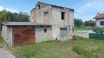 Casa indipendente in vendita c/da montupoli Miglianico (CH)