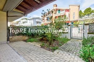 Villa a schiera in vendita Via Torrette Città Sant'Angelo (PE)