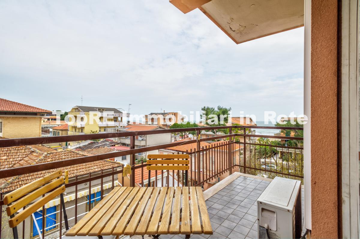 Appartamento in vendita in via del popolo n 3 zona marina for Case in vendita silvi marina