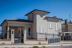 Villa in vendita Via E. Ferrari Tortoreto (TE)