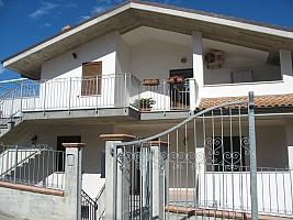 Villa trifamiliare in vendita via dragonara  San Giovanni Teatino (CH)