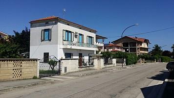 Casa indipendente in vendita Via San Moro Canosa Sannita (CH)