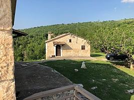 Casale o Rustico in vendita contrada Pagliari Roccamorice (PE)