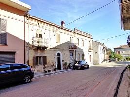 Stabile o Palazzo in vendita via giardino Rapino (CH)