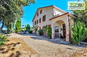 Casa indipendente in vendita via Sandro Petrini Aielli (AQ)