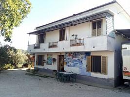 Casale o Rustico in vendita  Villamagna (CH)