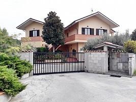 Villa in vendita fondo valle alento Torrevecchia Teatina (CH)