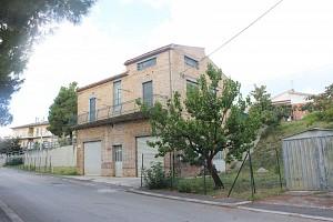 Casa indipendente in vendita Via G. Marconi,109 Pollutri (CH)
