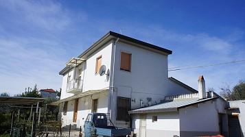 Casale o Rustico in vendita contrada montupoli avenna, 39 Miglianico (CH)