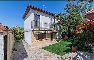 Casa indipendente in vendita via giardino Cona Città Sant'Angelo (PE)