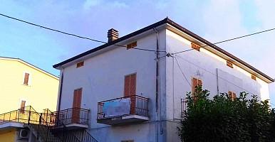 Appartamento in vendita  Tollo (CH)