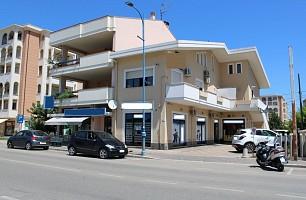 Negozio o Locale in vendita corso umberto I, 407 Montesilvano (PE)