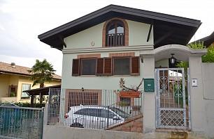 Villa bifamiliare in vendita via delle more Città Sant'Angelo (PE)