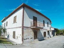Casale o Rustico in vendita via s. antonio, 133 Ari (CH)